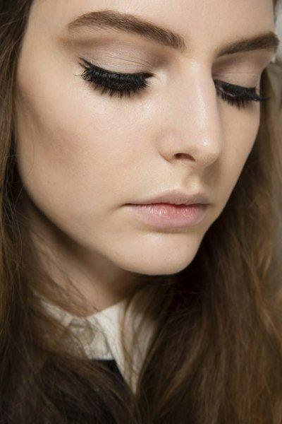 beauty-trend-large-Lashes-fall-winter-2014-2015-3
