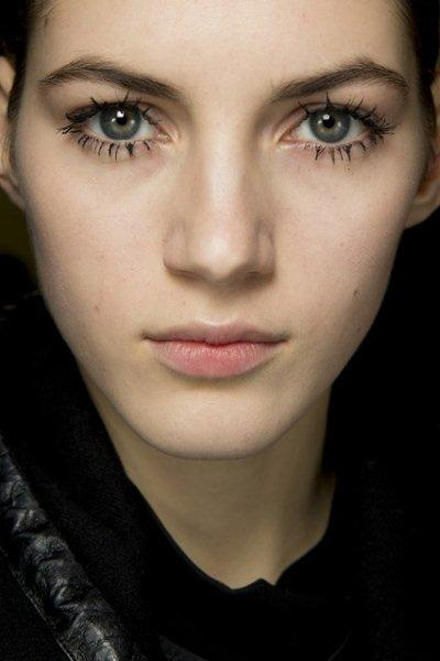 beauty-trend-large-Lashes-fall-winter-2014-2015-11