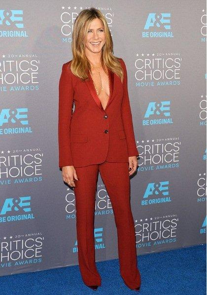 Jennifer-Aniston-Trouser-Suit-16