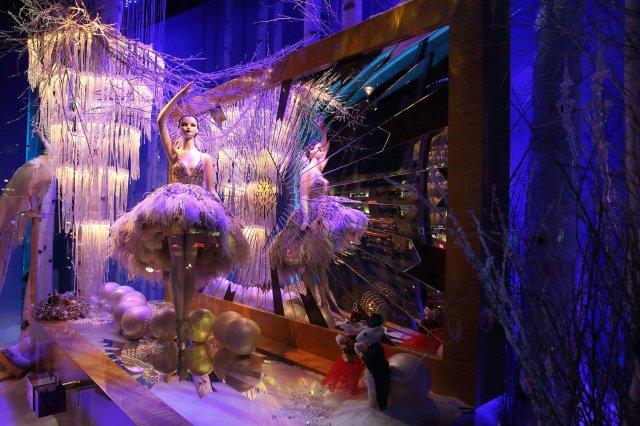 christmas-window-in-London-2014-13