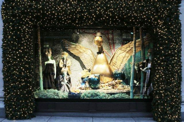 christmas-window-in-London-2014-12