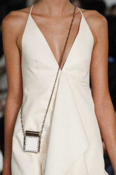 Tiny-bags-fashion-trend-spring-summer-2017-3